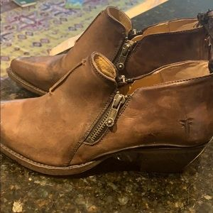 Frye size 7 cowgirl style locut boot